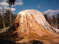 Mammoth Hot Springs - auf Flickr zu finden.