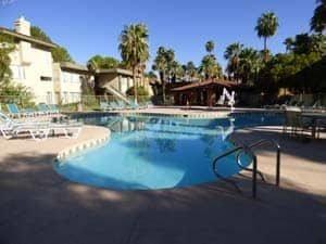 Sonne, Palmen und ein Pool - Las Vegas